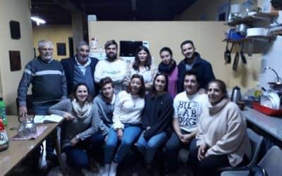 FERNÁNDEZ SE REUNIÓ CON LOS ESTUDIANTES DE LA CASA DE BUENOS AIRES, PROGRAMÓ REFORMAS Y ENTREGÓ COCINA NUEVA