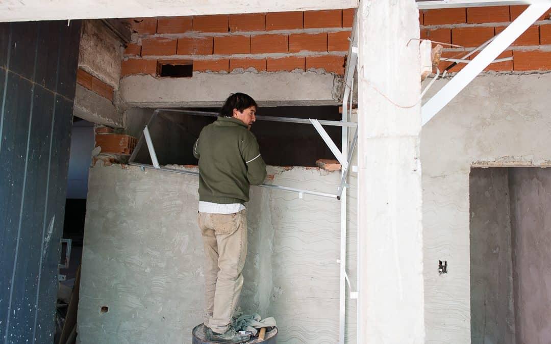 El Municipio culmina la obra de baños en Casa del Niño