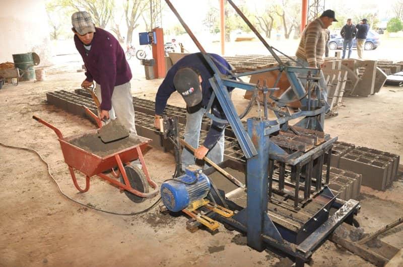 Se fabrican bloques de hormigón