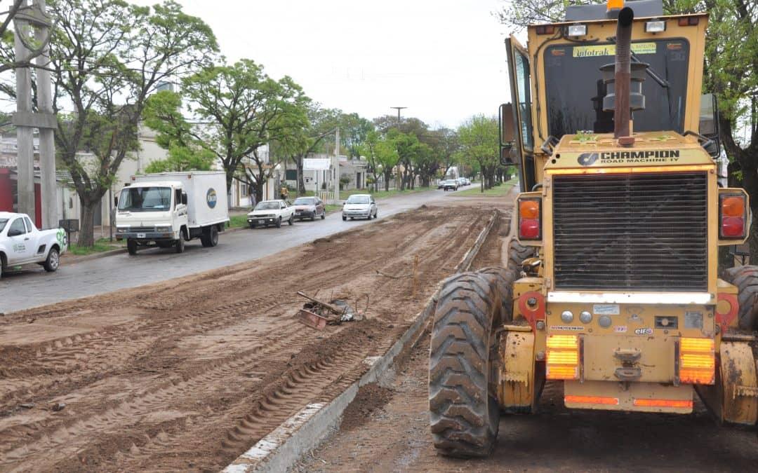 Trabajos de cordón cuneta y pavimento en la calle Lagos entre Foster y Ugarte
