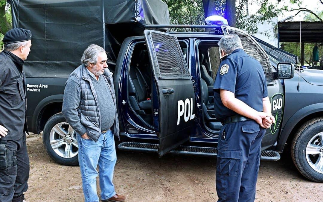 Fernández entregó un nuevo móvil policial y destacó el aporte de la Provincia en materia de seguridad
