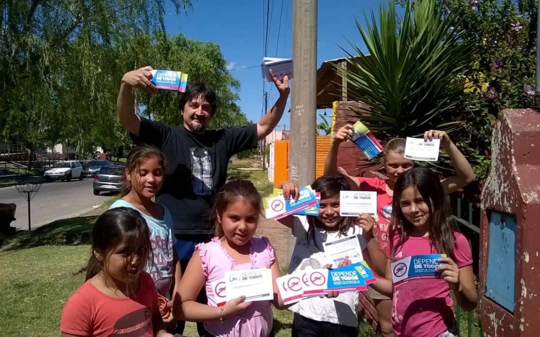 Chicos del CAPS Carrillo recorren el barrio para prevenir el Dengue
