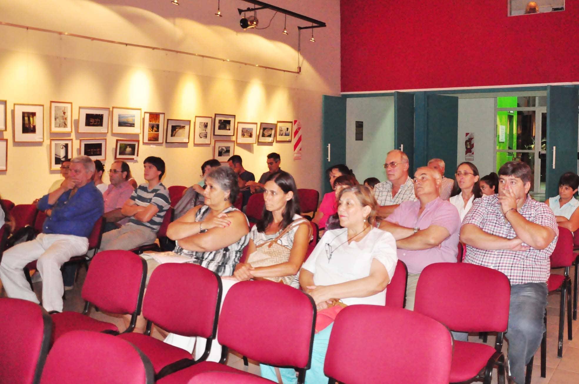 charla dengue en la casa de la cultura - febrero 2016 (3)