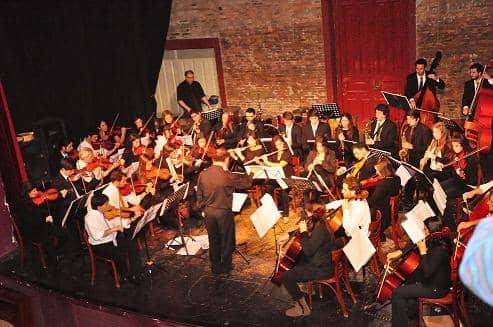 Orquestas y coros en el Teatro