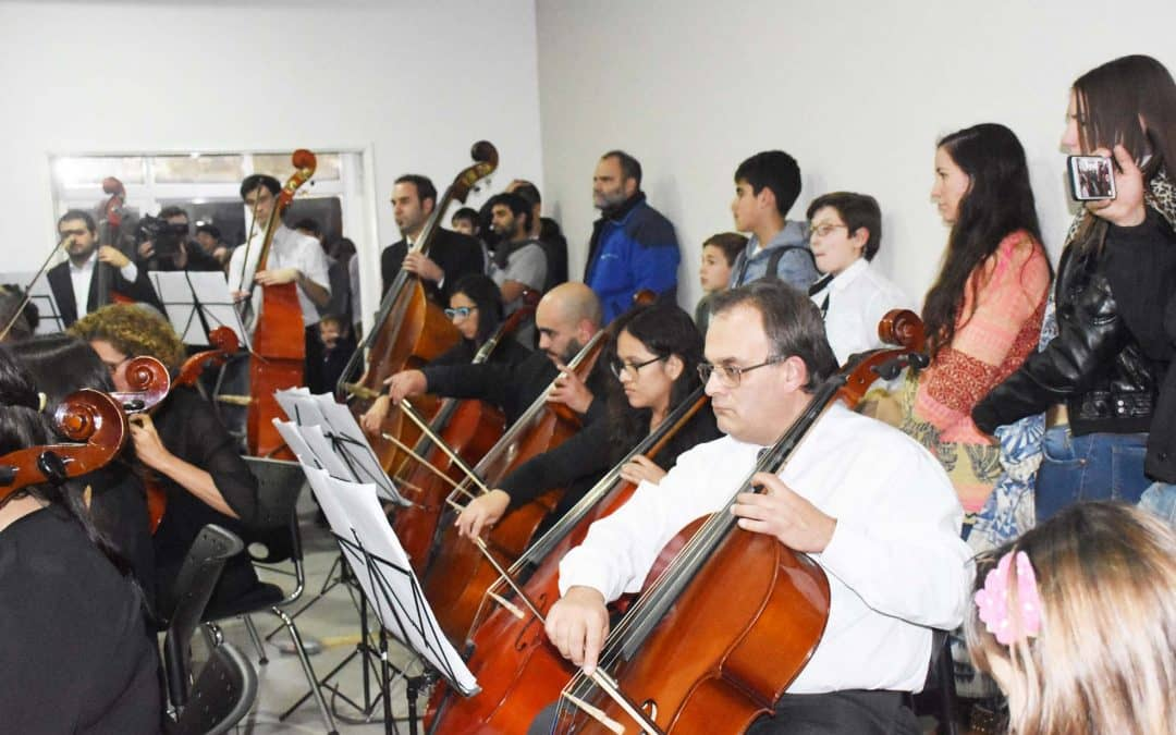 La Escuela Municipal de Música brindó un concierto a sala llena