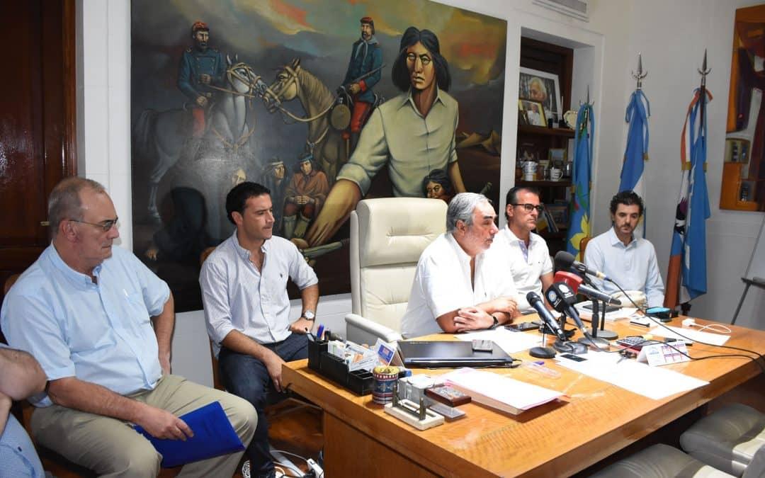 EN BUSCA DE AGILIZAR Y HACER MÁS EFICIENTE LA GESTIÓN, FERNÁNDEZ ANUNCIÓ CAMBIOS EN EL ORGANIGRAMA MUNICIPAL