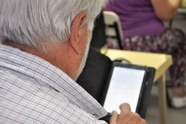 Curso intensivo de invierno Uso de celulares y tablets, en la Escuela Municipal