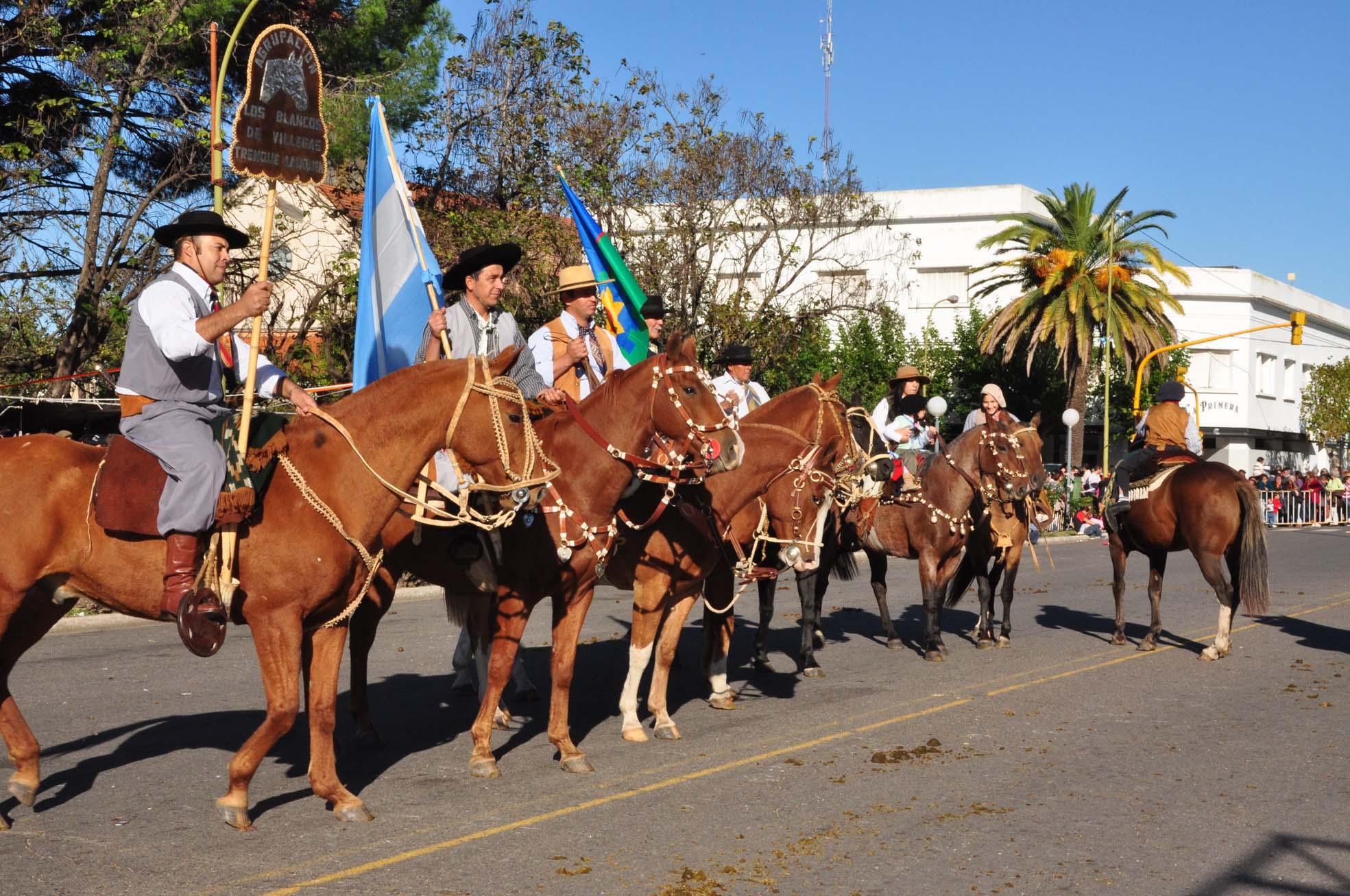 Se organiza el desfile criollo para abril