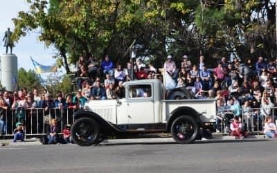 Se realizó el tradicional desfile gaucho, de autos y motos antiguas