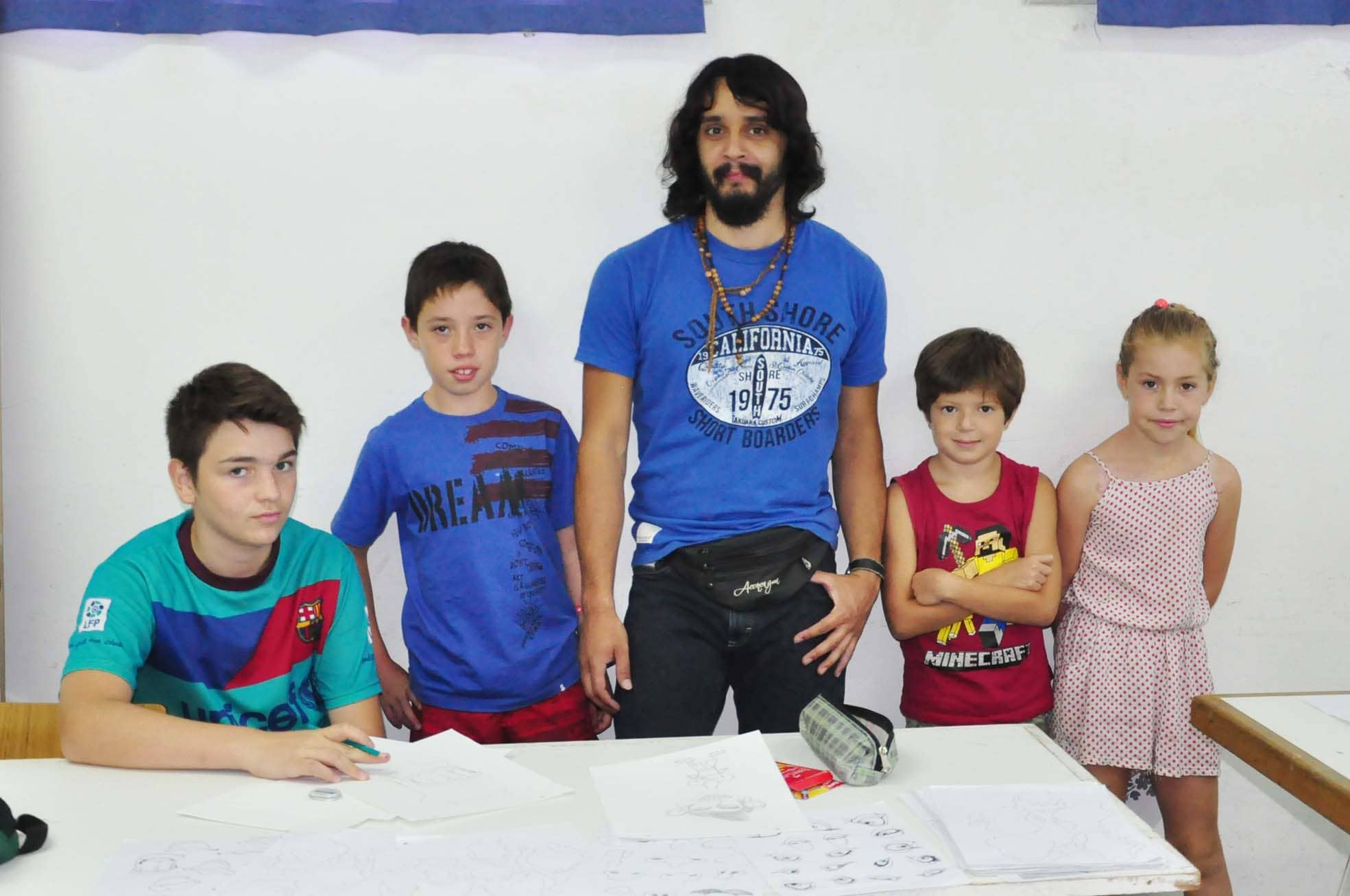 """Inició el taller de """"Dibujo Humorístico y Stencil"""""""