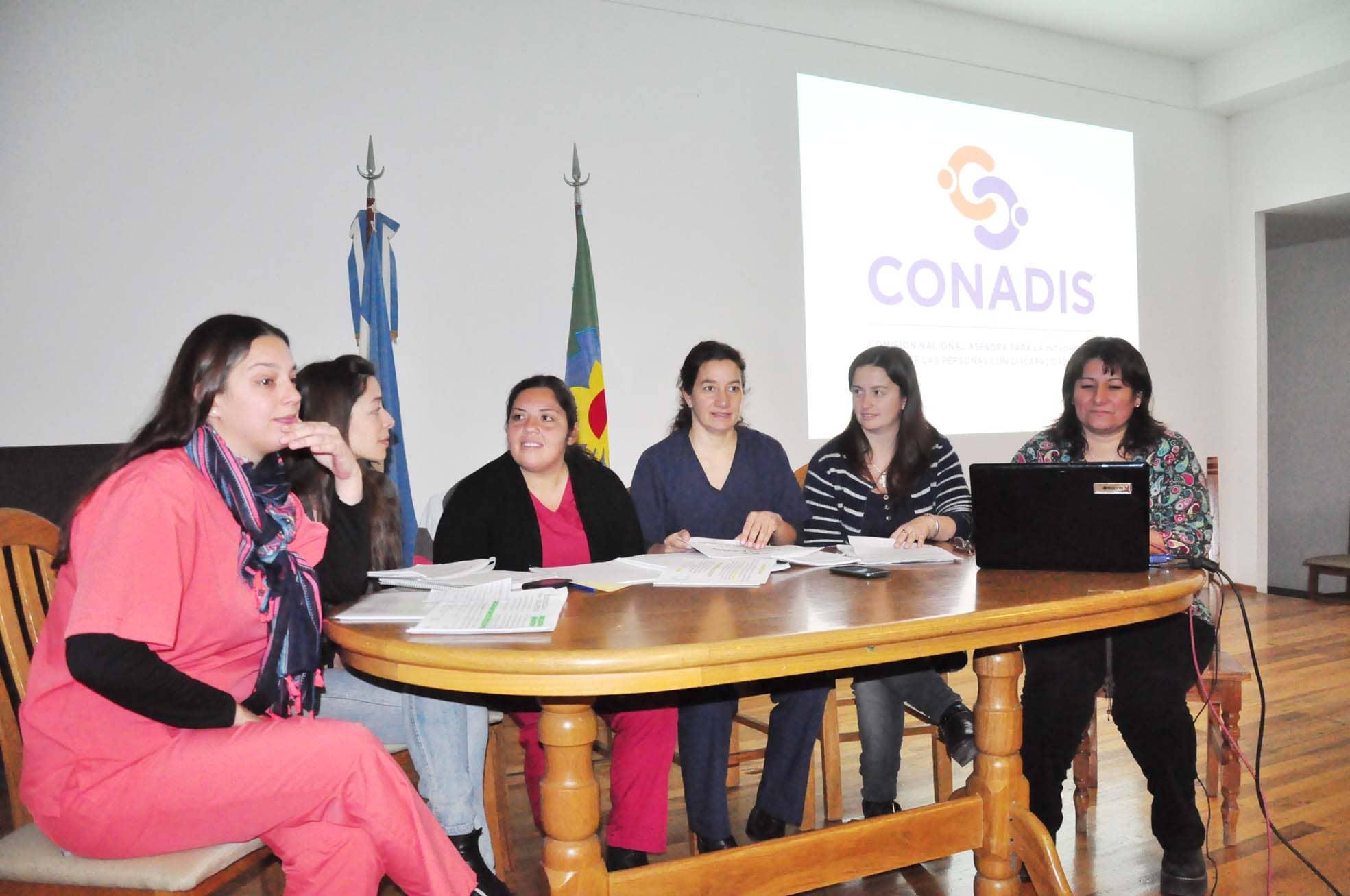 El Municipio presentó programas para personas con discapacidad