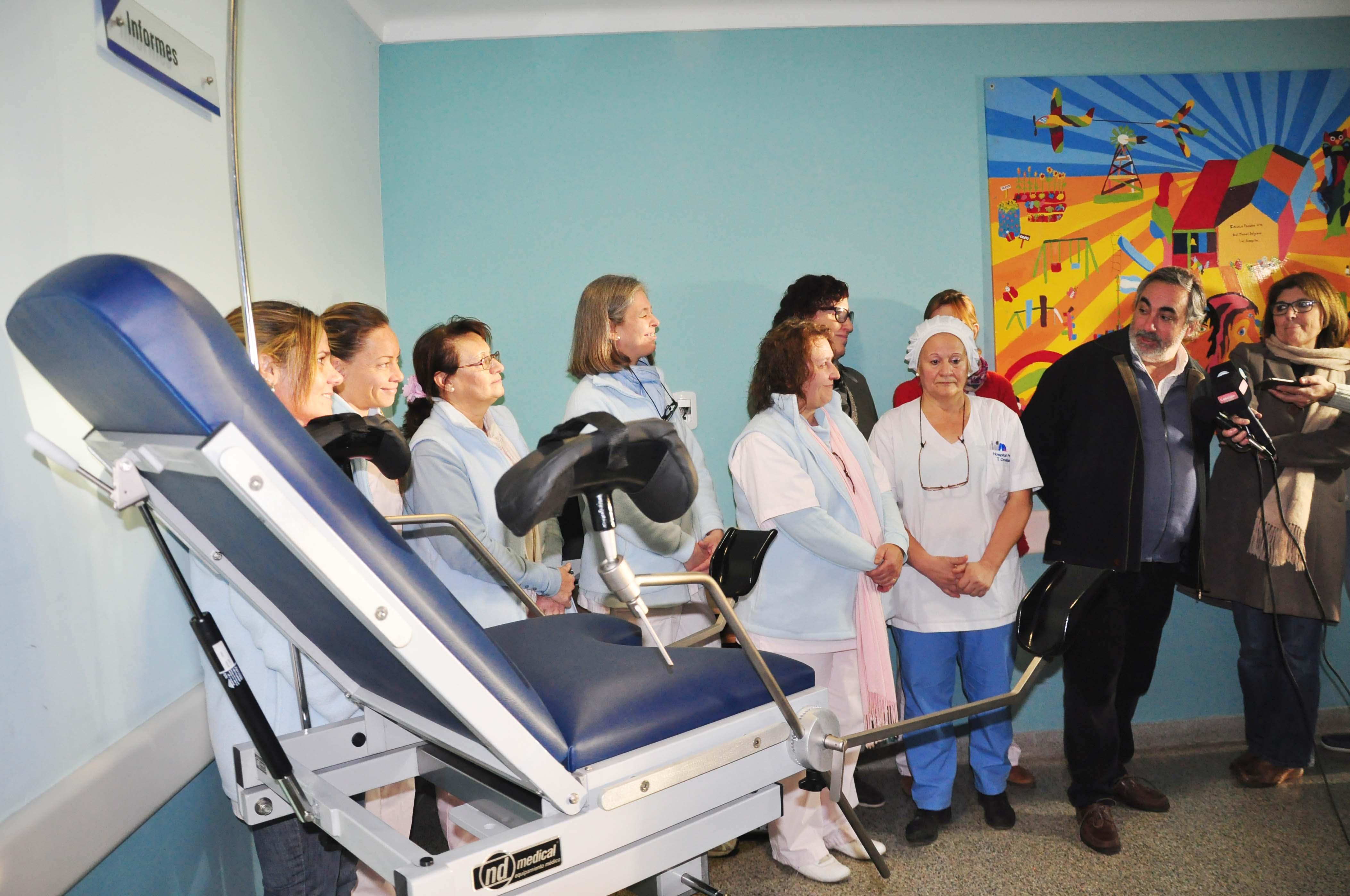 Damas Rosadas donó un sillón de parto al Hospital Municipal