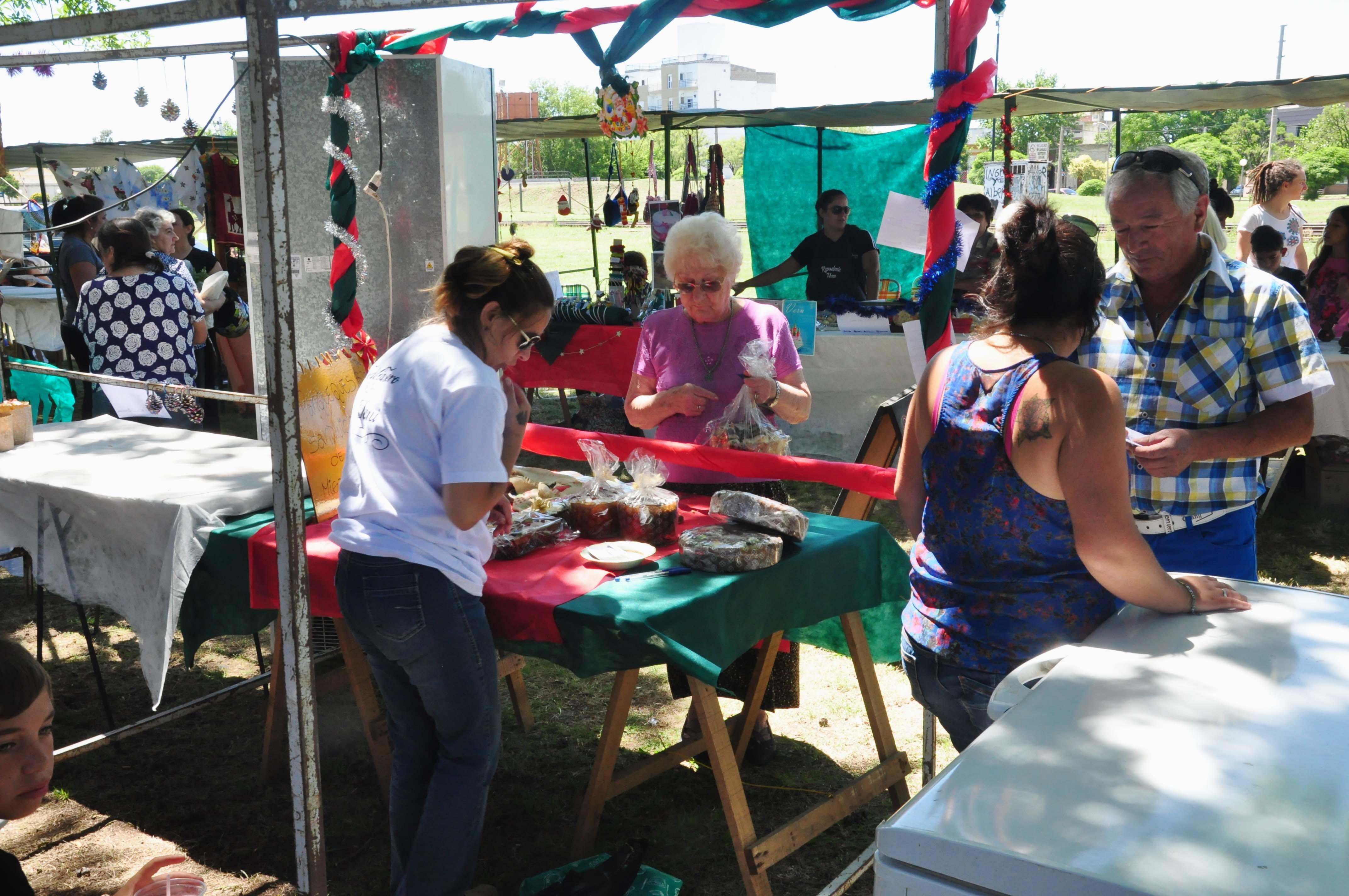 Reunión con artesanos por los festejos de Abril
