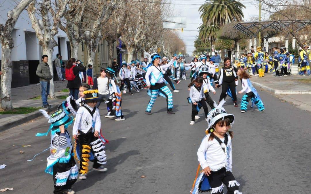 Corsos: la Escuela Municipal ofrecerá un taller de indumentaria