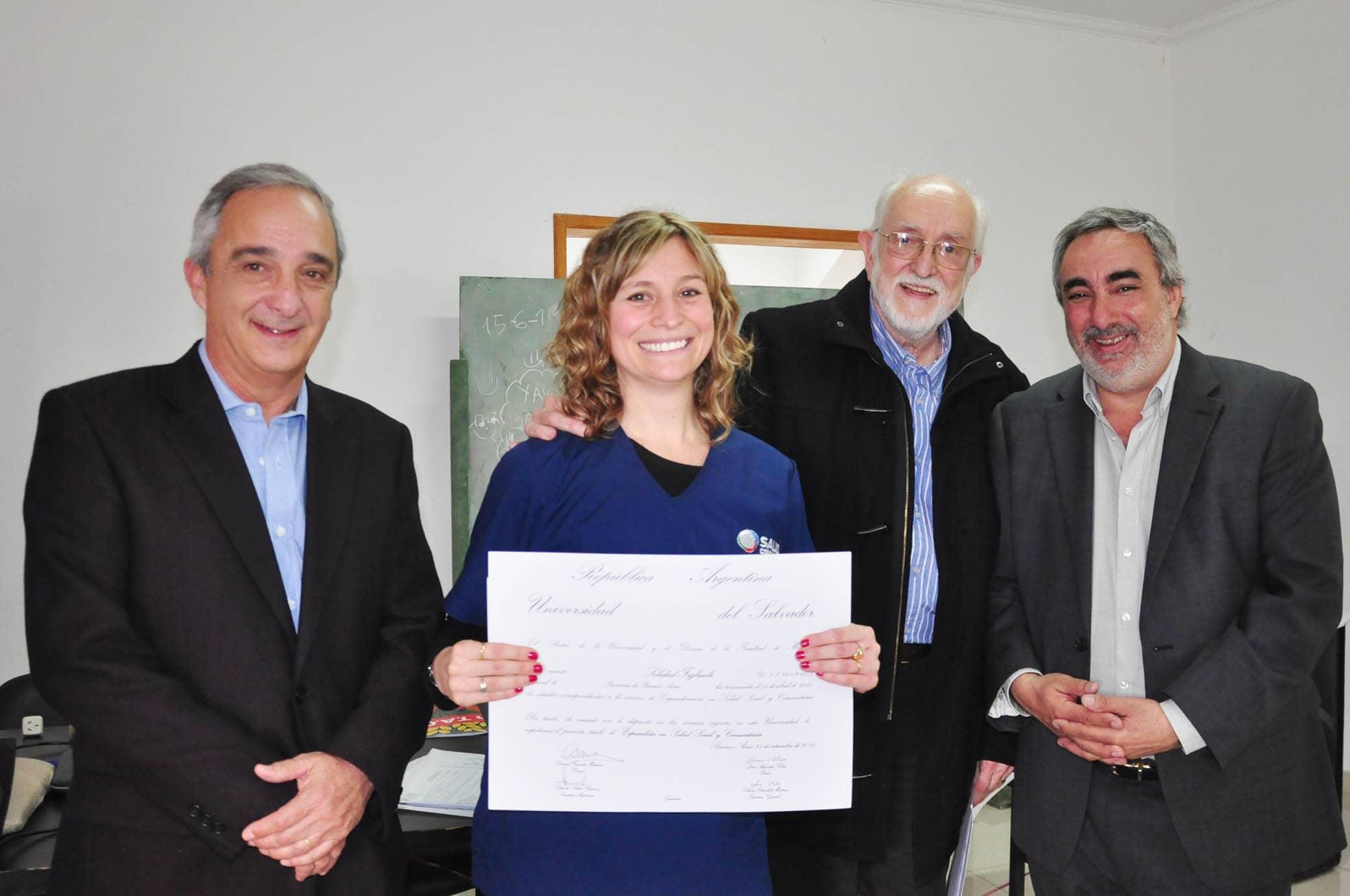Se entregaron certificados a becarios del Programa Médicos Comunitarios