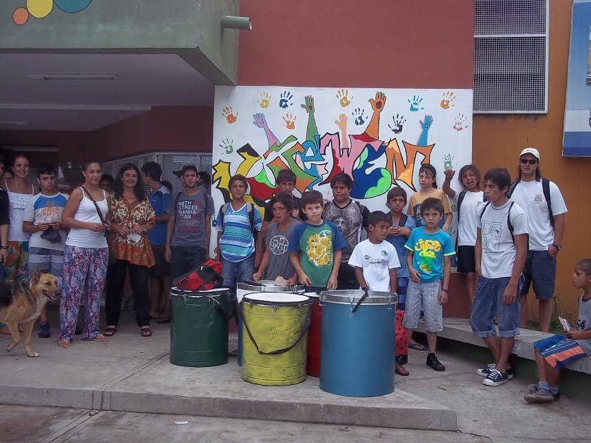 Un grupo de 40 chicos del Programa Envión viajó hoy (viernes) a América