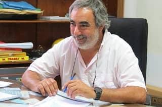 Fernández recorrió los canales hídricos