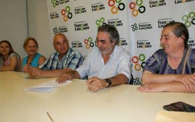 Fernández firmó el convenio de concesión del buffet para un proyecto de personas con discapacidad en 30 de Agosto