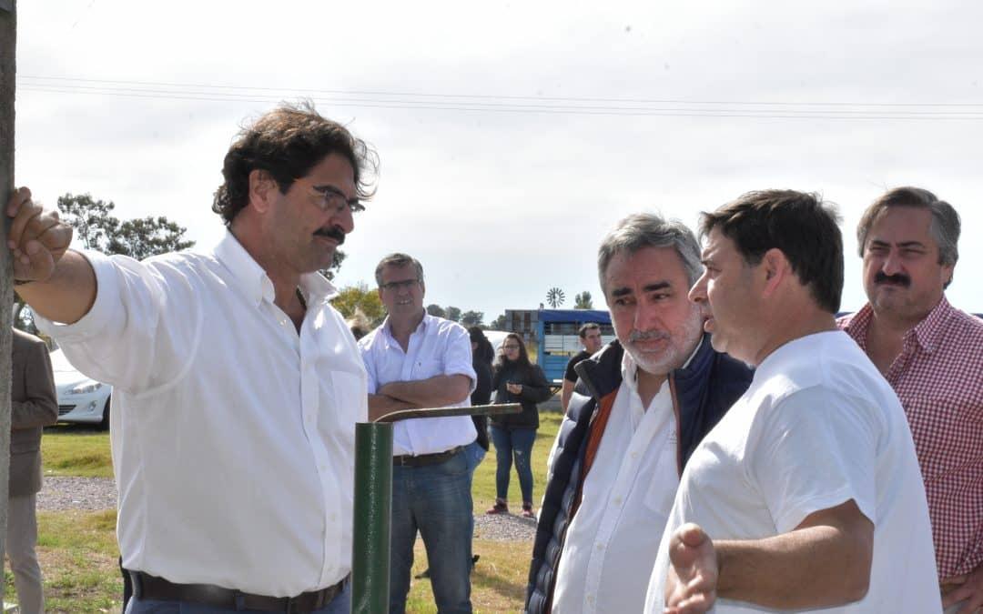 EL MINISTRO SARQUÍS Y EL INTENDENTE FERNÁNDEZ PARTICIPARON DE LA REAPERTURA DEL FRIGORÍFICO ÁVILA
