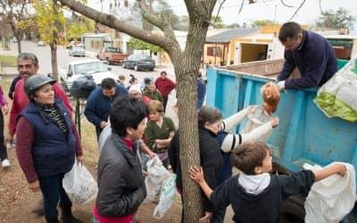 Continúa hoy la entrega de gallinas en el CAPS Ramón Carrillo