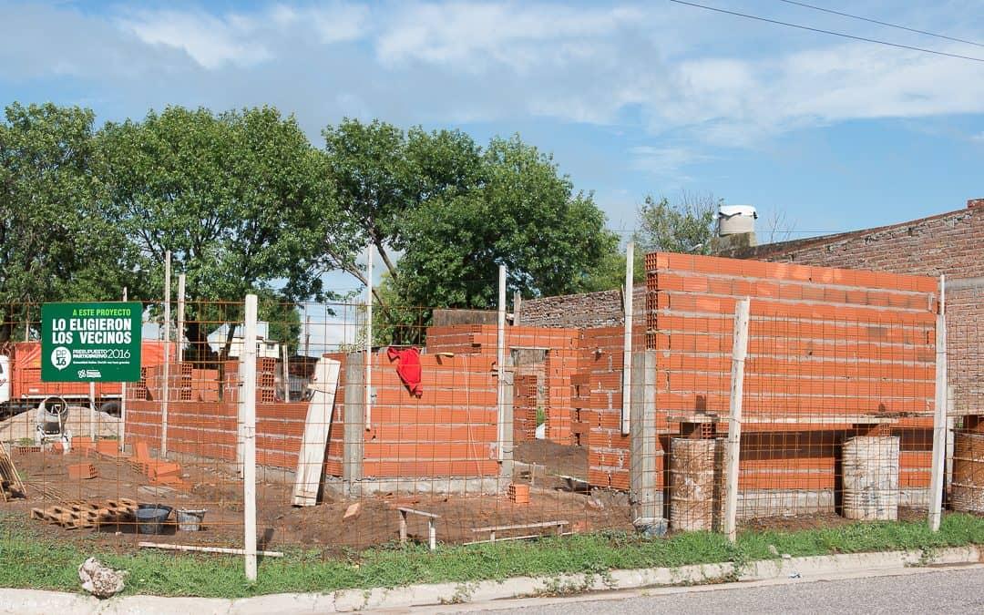 Avanza la construcción del salón comunitario de los barrios Indio Trompa y Esperanza