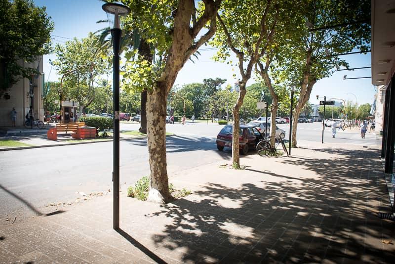 Recambio de luces y mejoras en el Boulevard Villegas