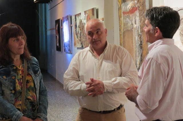 Zapata encabezó la apertura de una muestra de arte