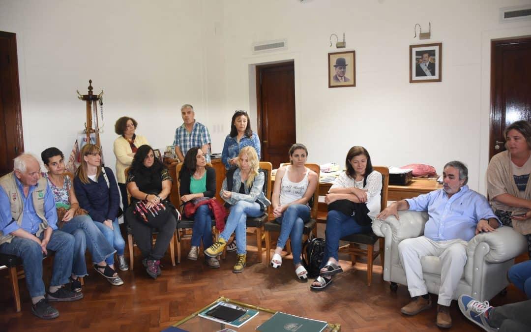 Fernández recibió a los muralistas que participan del encuentro de arte mural