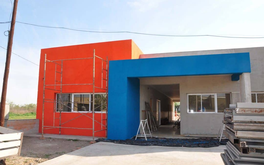 Pintura en el nuevo edificio del Jardín Maternal Municipal Nubecitas