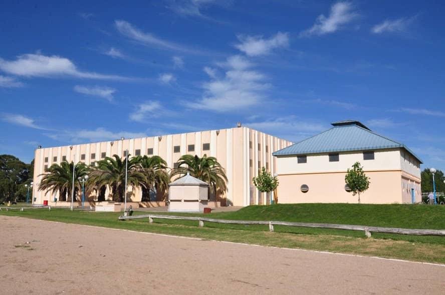 El Municipio arma una cancha de Beach Vóley en el Polideportivo