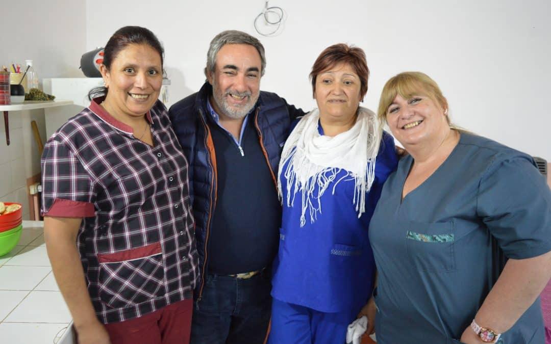 Fernández recorrió el hospital y el hogar de ancianos de 30 de Agosto