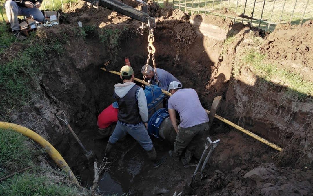 UNA CUADRILLA DE PERSONAL MUNICIPAL TRABAJÓ EN TRES REPARACIONES DIFERENTES DE LA RED DE AGUA CORRIENTE