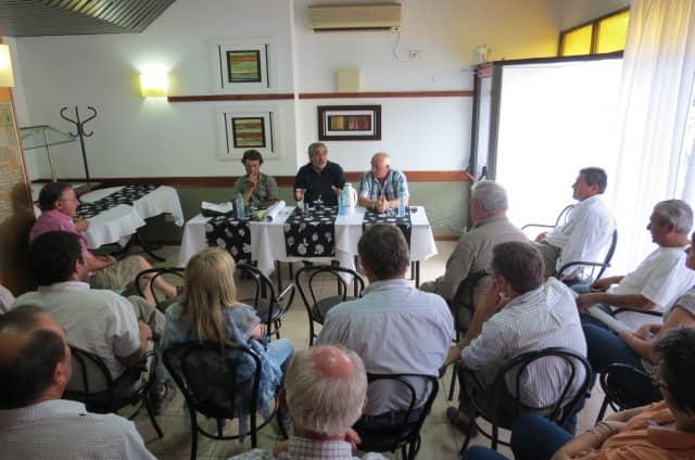 Reunión con productores agropecuarios en 30 de Agosto