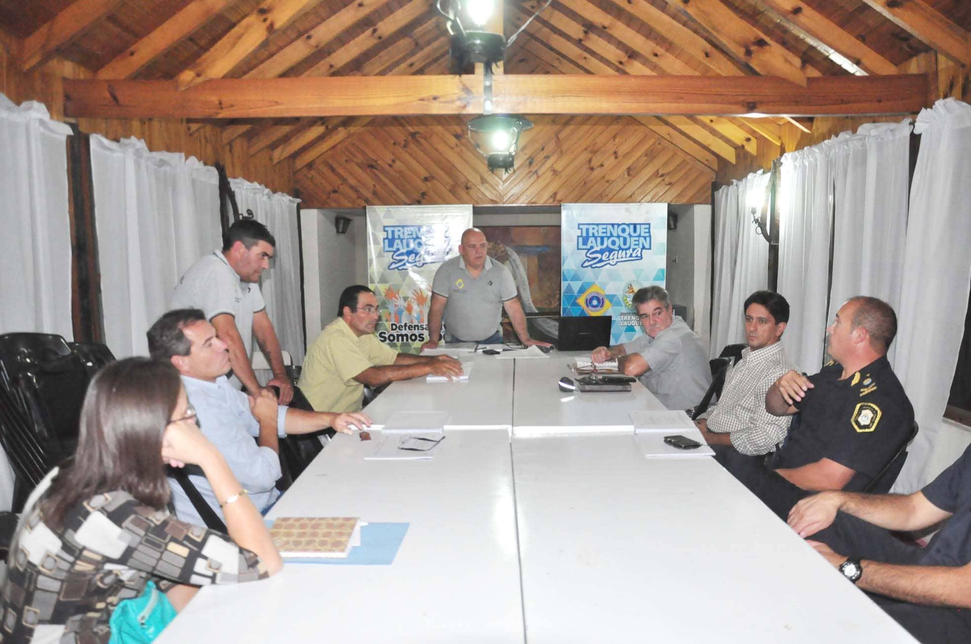 Defensa Civil: reuniones con Región XI y autoridades provinciales