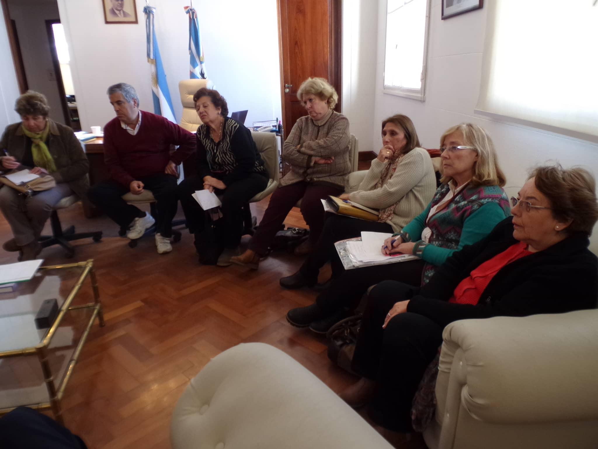 El intendente se reunió ayer con la comisión directiva del Taller Peñi Hue