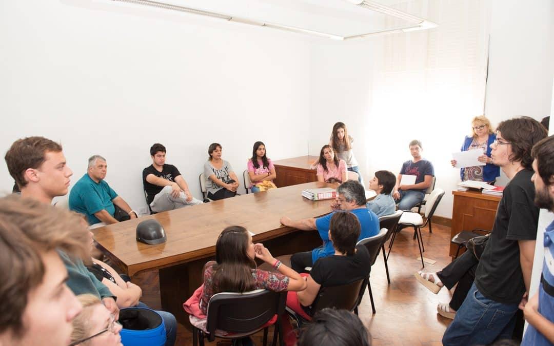 Reunión con residentes de la Casa del Estudiante de La Plata