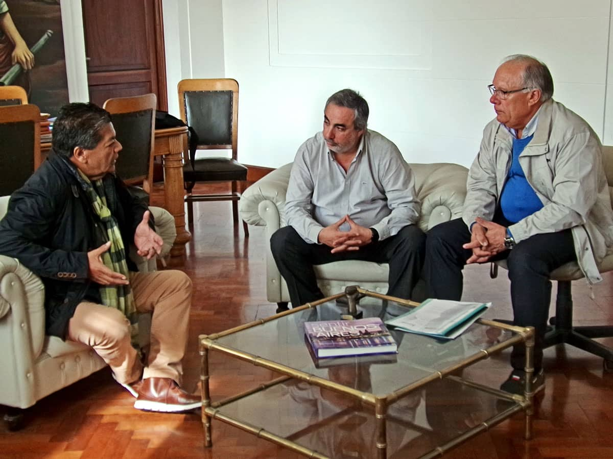 Fernández recibió hoy a representantes de la UOCRA