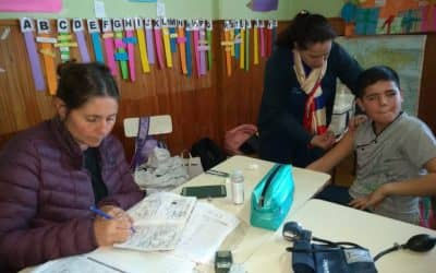 SALUD COMUNITARIA REALIZÓ CONTROLES Y COMPLETÓ EL ESQUEMA DE VACUNACIÓN DE LOS CHICOS EN LA ESCUELA RURAL DE LA PORTEÑA