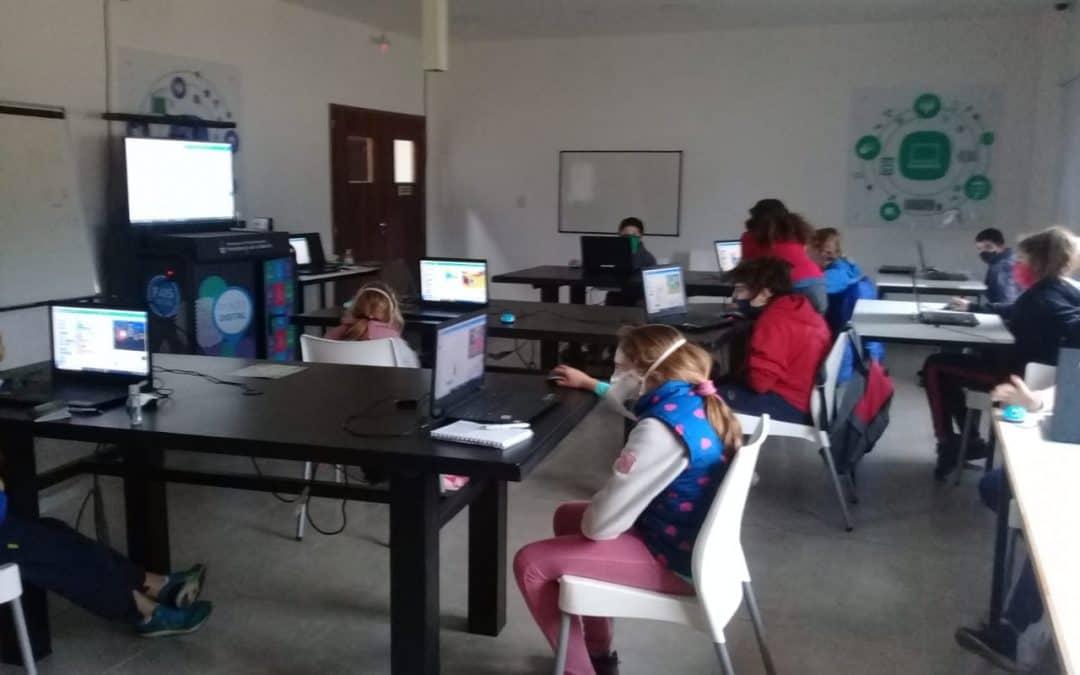 COMENZÓ EL TALLER DE SCRATCH PARA CHICAS Y CHICOS EN EL POLO CIENTÍFICO TECNOLÓGICO RESPETANDO UN PROTOCOLO SANITARIO
