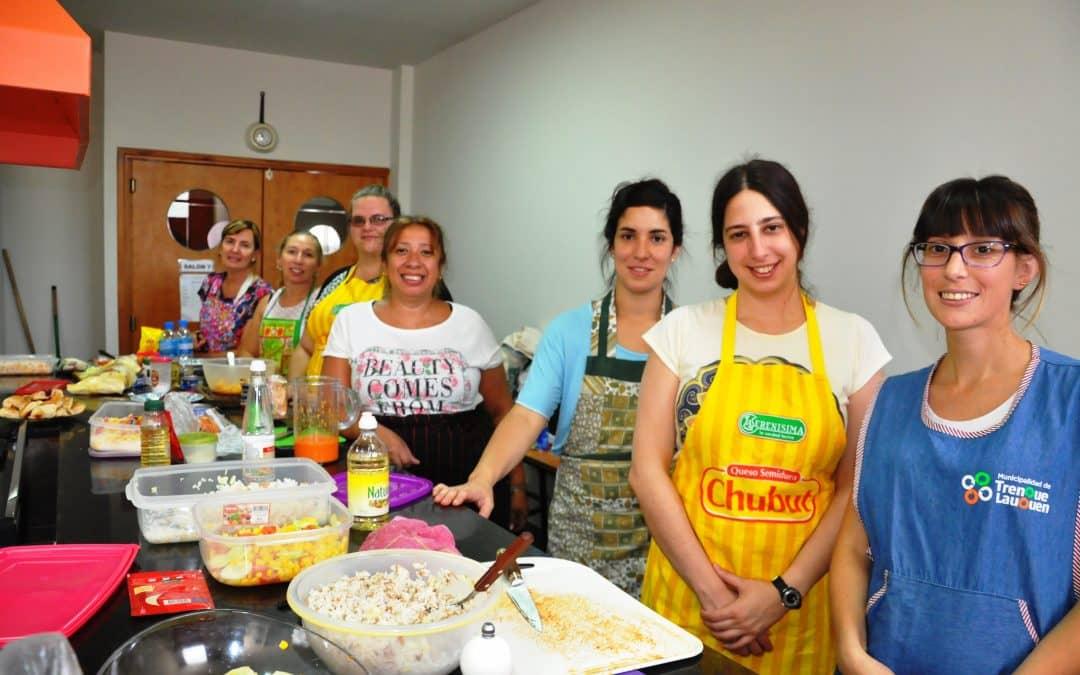 Comenz a dictarse el taller de cocina saludable en la for La cocina taller