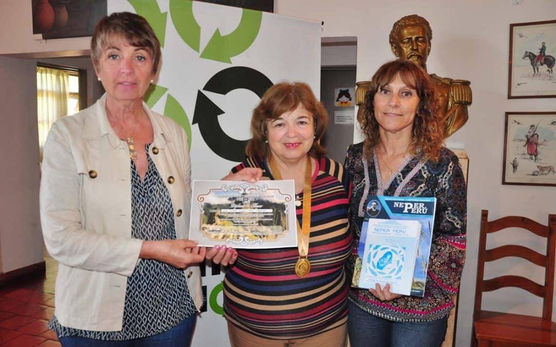 La poeta local Lucía Urquizú participó de un encuentro de escritores en Perú