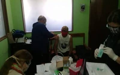 SE APLICÓ EL REFUERZO DE LA VACUNA ANTIGRIPAL A LOS RECOLECTORES DE RESIDUOS