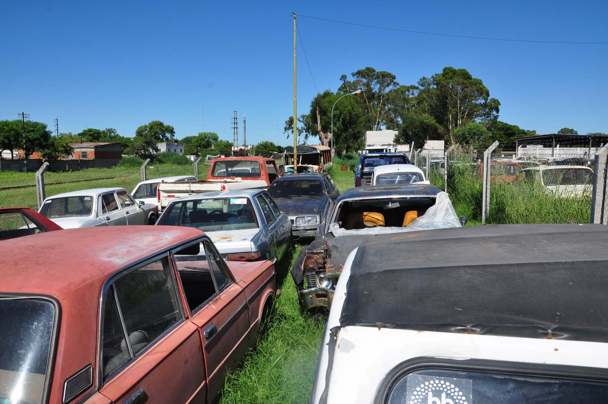 Vehículos abandonados en la vía pública