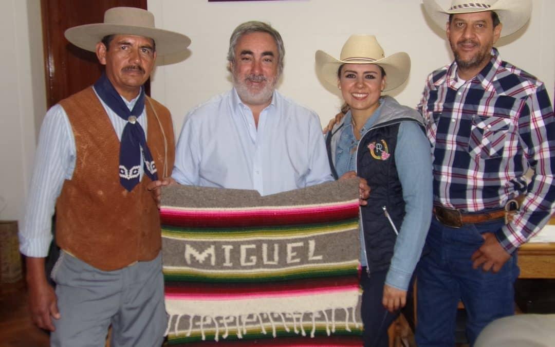 143º ANIVERSARIO: VISITA DE MEXICANOS INSTRUCTORES ECUESTRES Y ALUMNOS DEL CFI A LA DIRECCIÓN DE CULTURA