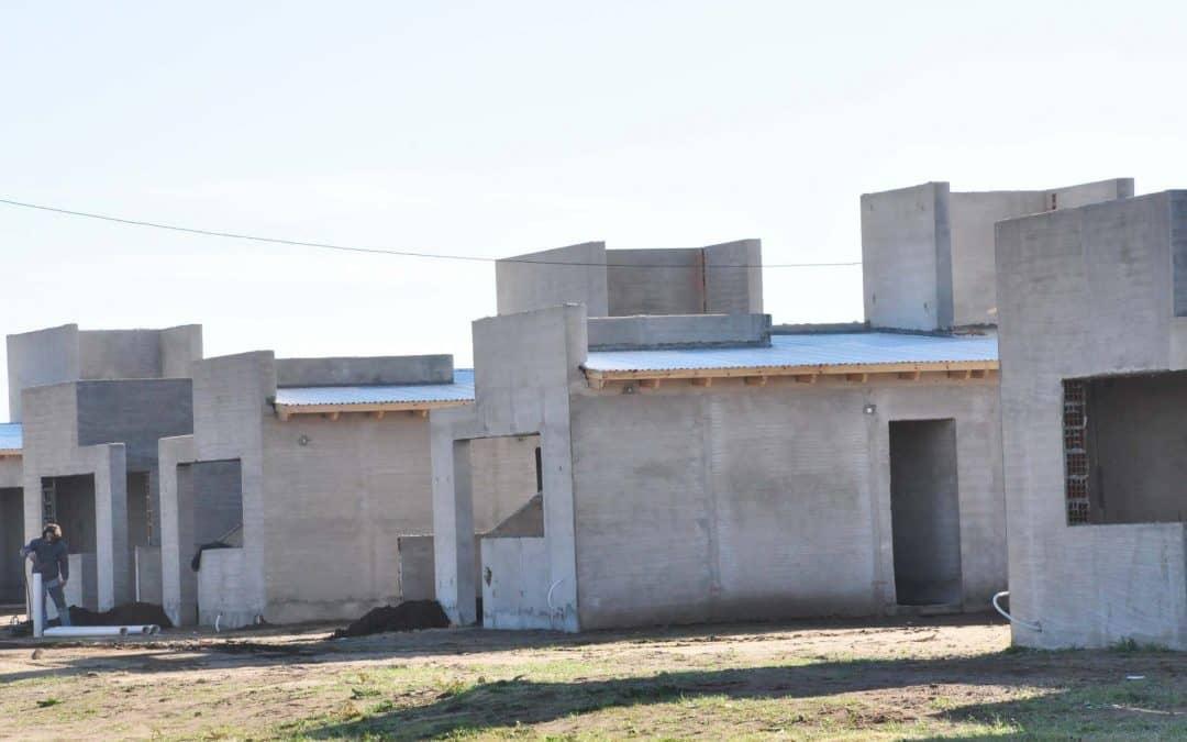 Vecinos excluídos por el Procrear se inscribieron en las viviendas municipales