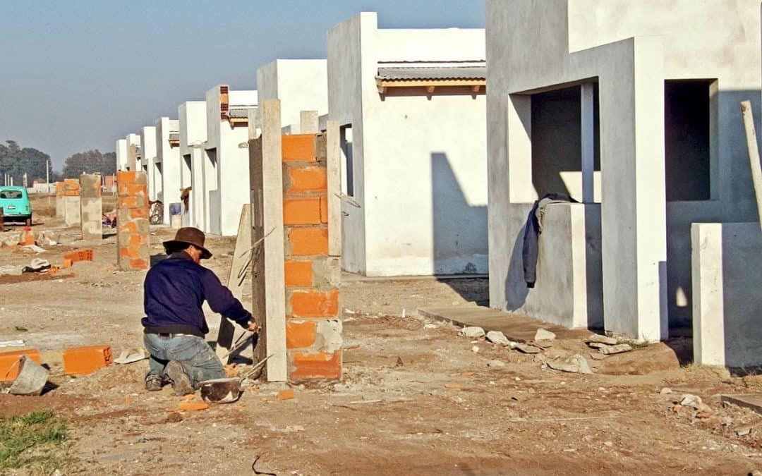 Se realizaron gestiones para la construcción de 140 viviendas en el distrito